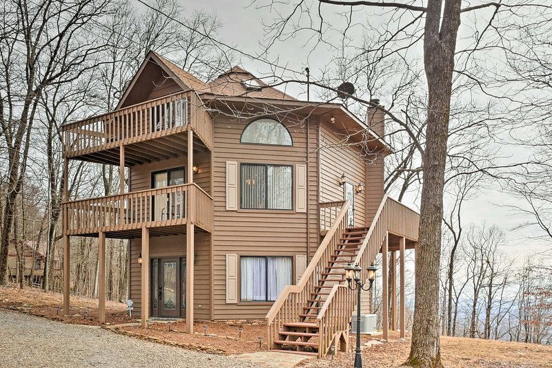 Bring the family along on a Jasper getaway to this vacation rental house!