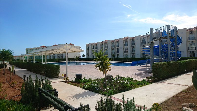 Seaview Resort 1Bedroom  Apartment, alquiler vacacional en Bogaz