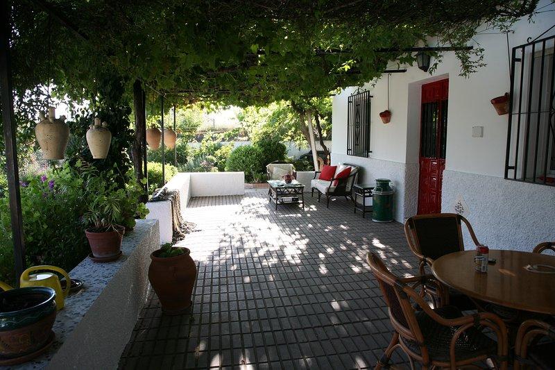 Superb 3 bedroom, 3 bathroom Cortijo with pool in excellent location, holiday rental in Archez