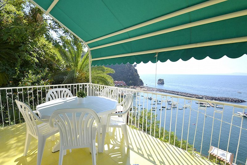 Casa Andreina A, holiday rental in Vico Equense