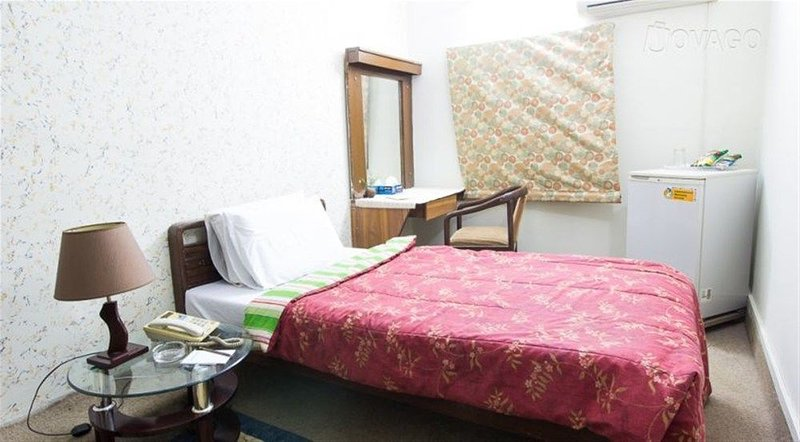 Hilltop Hotel Karachi - With Single room 4, holiday rental in Sindh Province