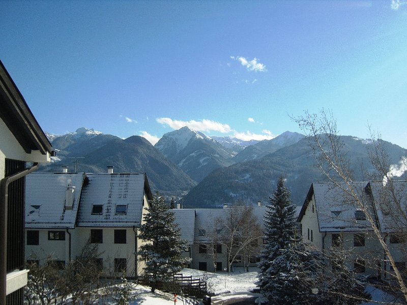 DOLOMITI Val di Fiemme villaggio Veronza mansarda 3 camere, vakantiewoning in Tesero