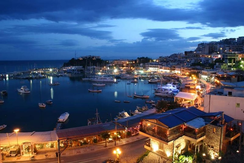 Mikrolimano. Une visite incontournable pour tous ceux qui veulent faire l'expérience d'Athènes. À distance de marche de l'appartement.