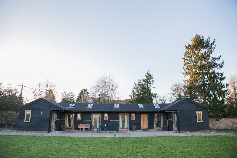 Contemporary stable conversion set in two acres of rural Suffolk, location de vacances à Bury St. Edmunds