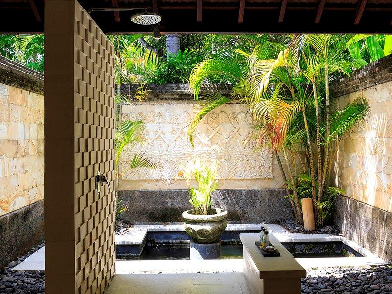 Villa Pushpapuri - Beige room open shower