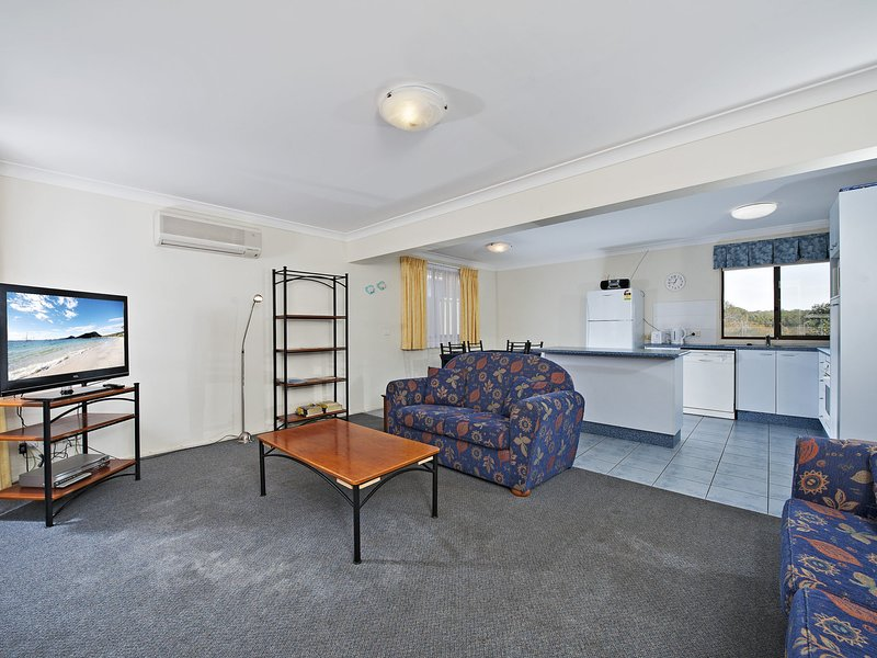 The Breakers, 16B Government Road, holiday rental in Shoal Bay