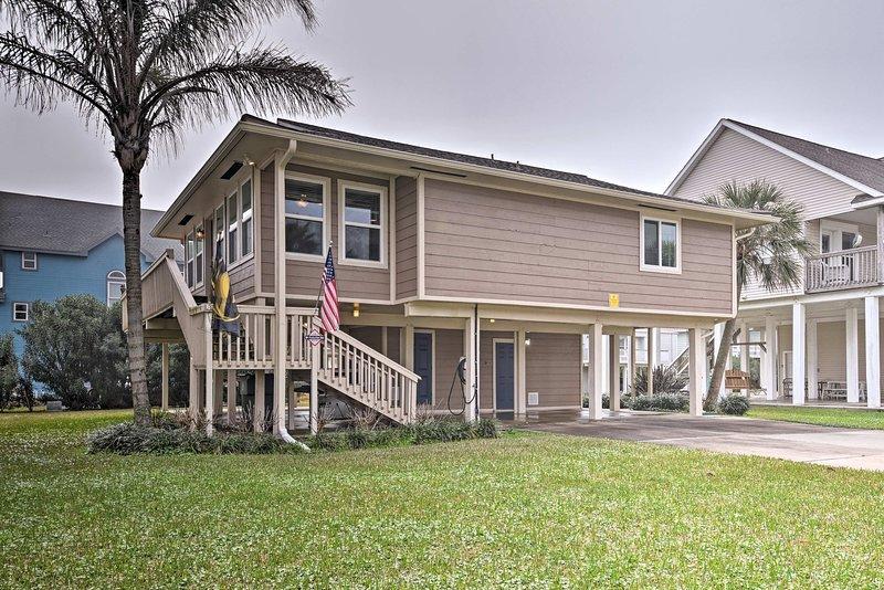 Cette propriété pittoresque peut accueillir jusqu'à 8 et est pratiquement neuf!