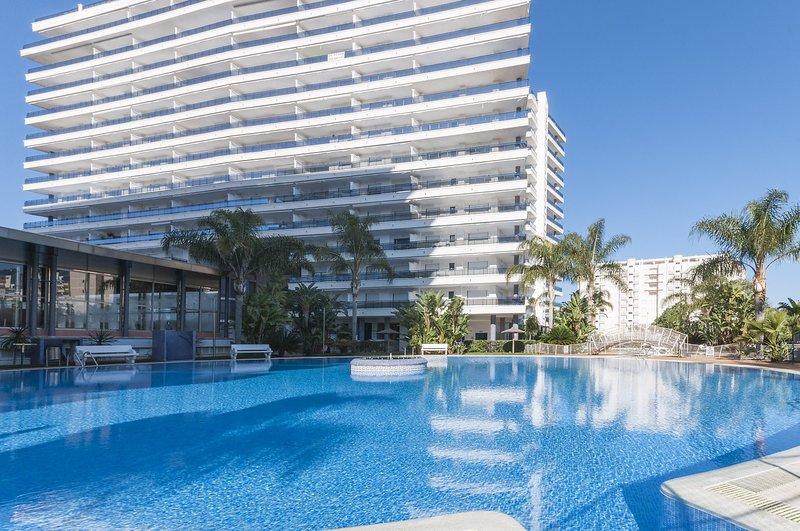 ALEJANDRITA - Apartment for 5 people in Playa de Gandia, holiday rental in Grau i Platja