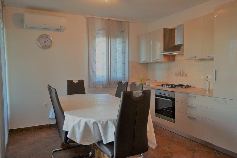 Apartment Vlado, holiday rental in Preko