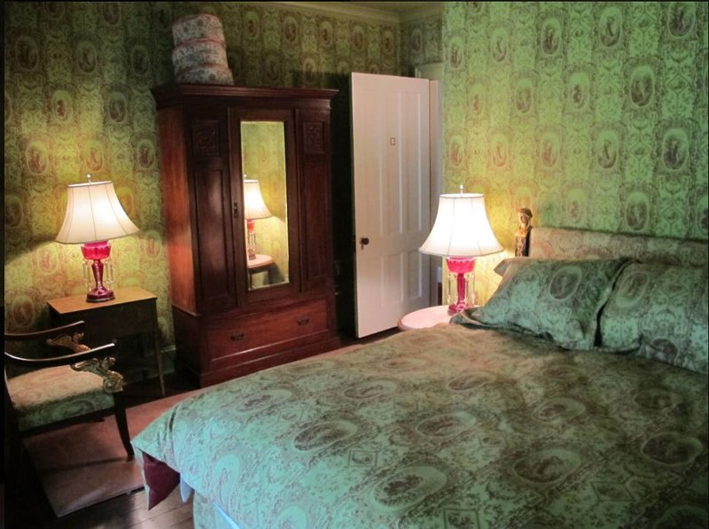 Kent Victorian Room 3, vacation rental in Washington Depot