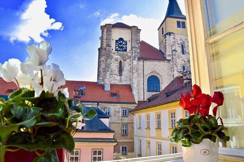 Eglise St Giles vue depuis les fenêtres de la chambre.