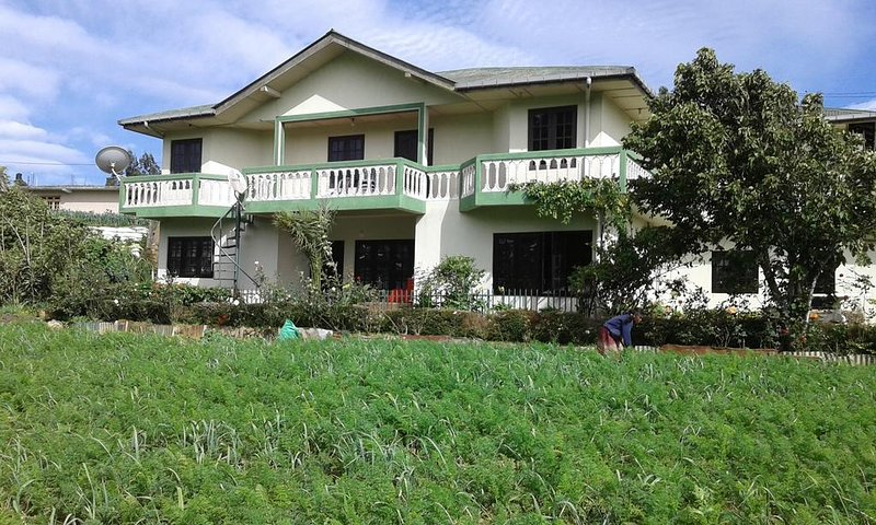 Avon Field Holiday Bungalow, aluguéis de temporada em Nuwara Eliya