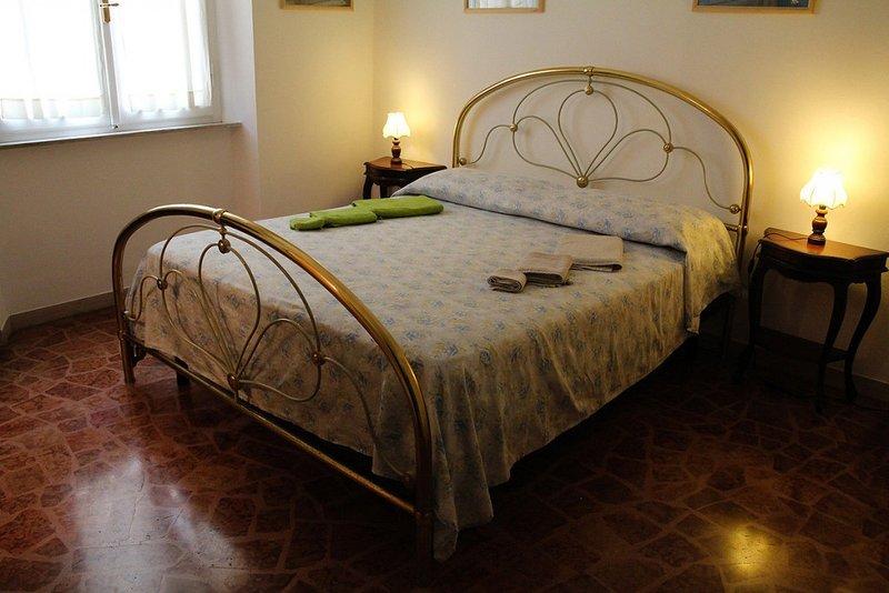 Affittacamere Cisanello Pisa - Camera Matrimoniale Yin, holiday rental in Ghezzano