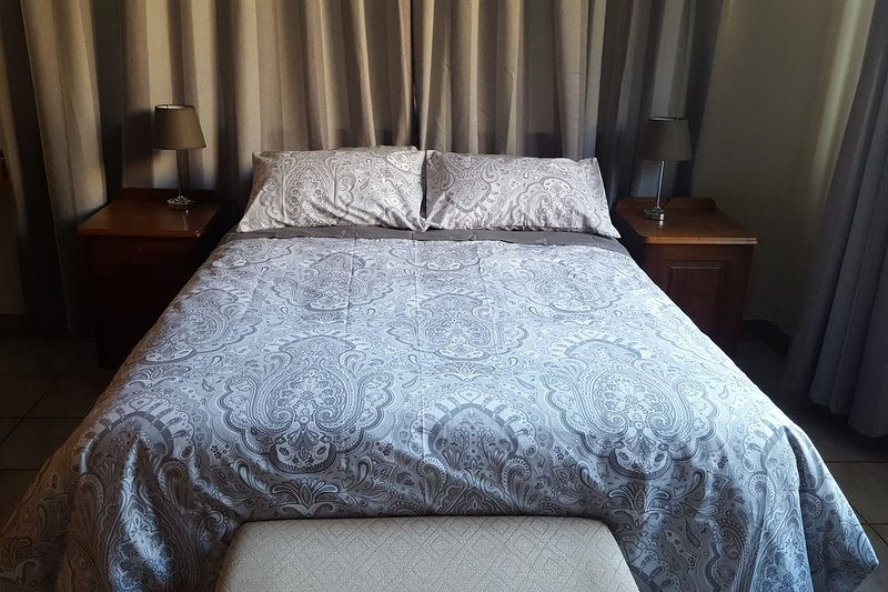 Room 4 Pretoria Inn Self Catering, holiday rental in Pretoria