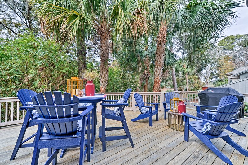 With a private pool and backyard deck, this house is an outdoor oasis!