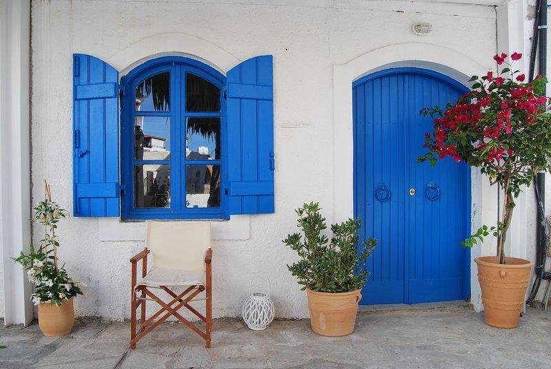 'The Old House' 1 - Stunning Villa in Old Town, Ferienwohnung in Plati