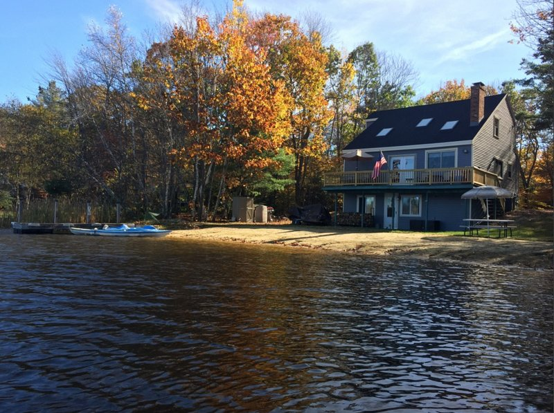 Locke Lake Waterfront Property, holiday rental in Rochester