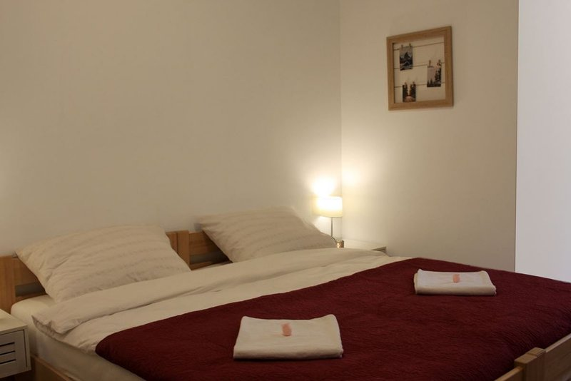 ROOM LASTIN REP - VILA VIKTORIJA, holiday rental in Dolus