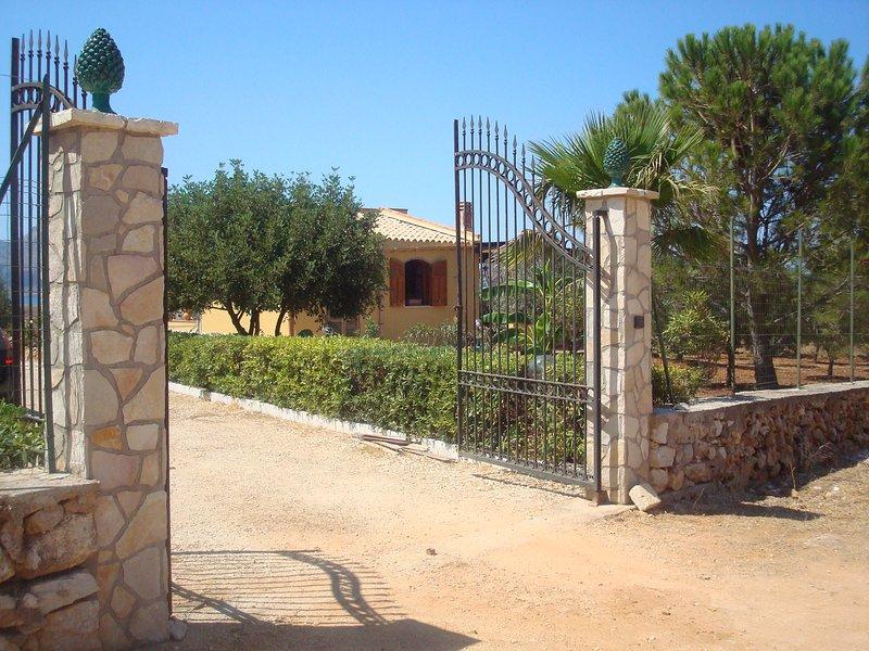 Villa Mediterraneo: la soluzione ideale, holiday rental in Castelluzzo