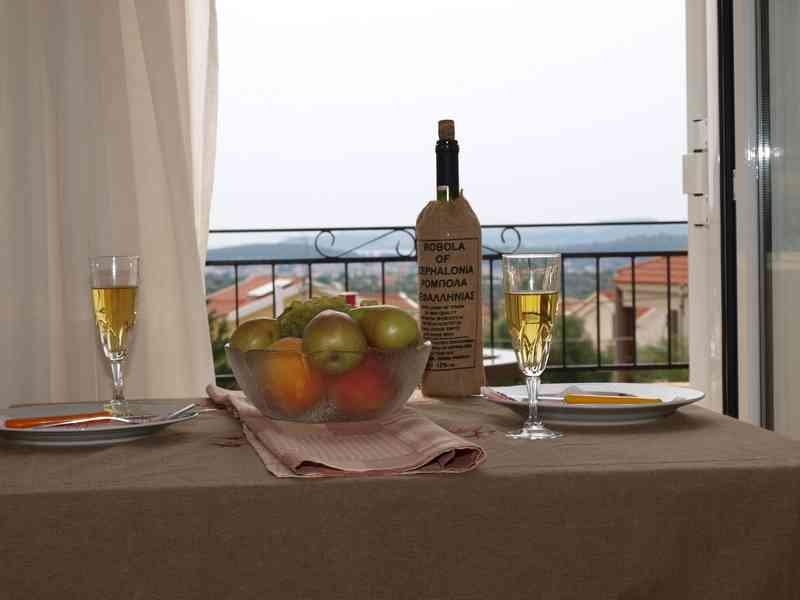 Aristotelis apartments Kefalonia, holiday rental in Kaligata