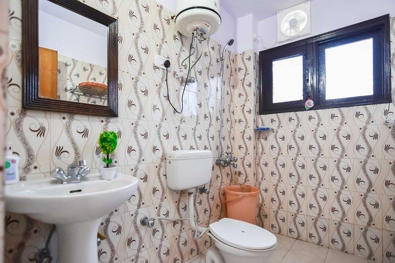 Impressionante banheiro anexo