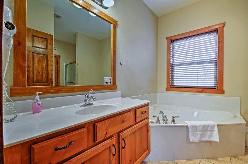 Toutes les chambres ont une salle de bains privée.