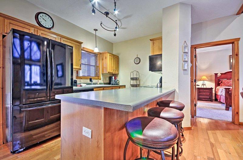 Canaliser votre intérieur Wolfgang Puck dans la cuisine entièrement équipée.