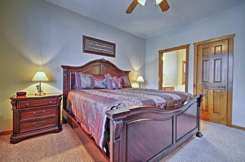 Quelle que soit la chambre vous prenez votre retraite à, vous serez conduits dormir par un lit king-size.