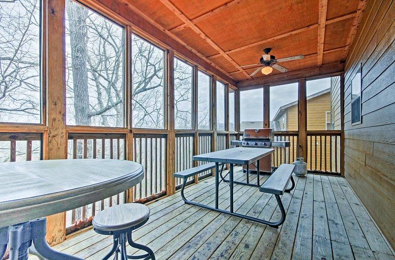Bénéficiant d'une table de billard, moustiquaire pont, et des lits pour jusqu'à 20, cette maison est la quintessence du luxe.