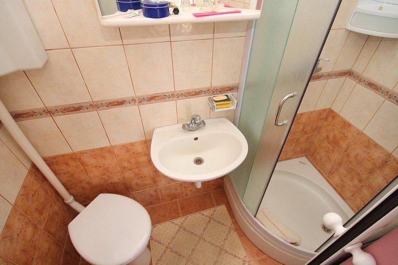 Salle de bains, Surface: 2 m²