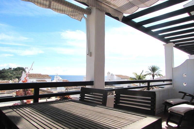 CASA MARINA - BEACH HOUSE IN MARINA DEL ESTE - WIFI - AC - VIEWS, alquiler de vacaciones en La Herradura