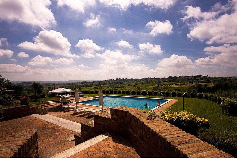 La Pievaccia Apartment Sleeps 6 with Pool - 5490425, holiday rental in Abbadia di Montepulciano