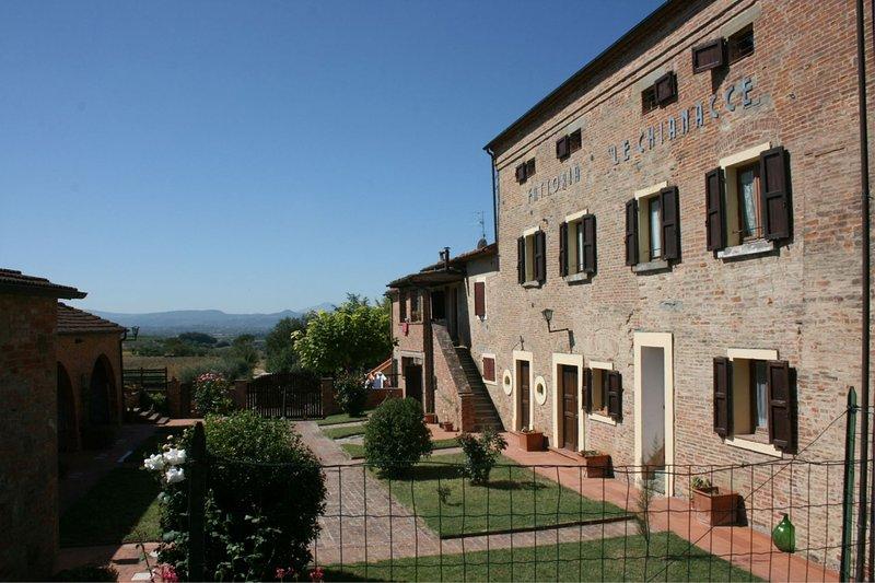 FATTORIA LE CHIANACCE - LA MANNA, holiday rental in Cignano