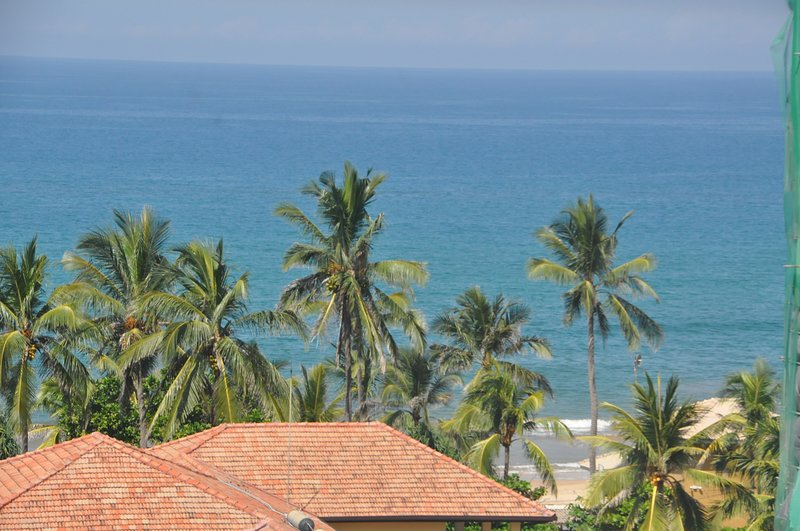 3 bed room brand new apartment with ocean view at colombo, holiday rental in Ratmalana