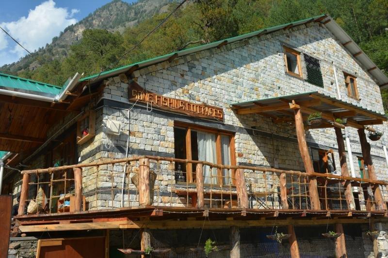 Gone Fishing Cottages- Room 2 on Cottage No. 1, aluguéis de temporada em Kullu