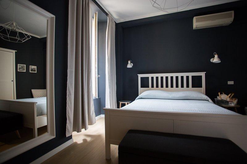 CICCIO B&B - Camera Saracena con bagno comune, holiday rental in Mozzo