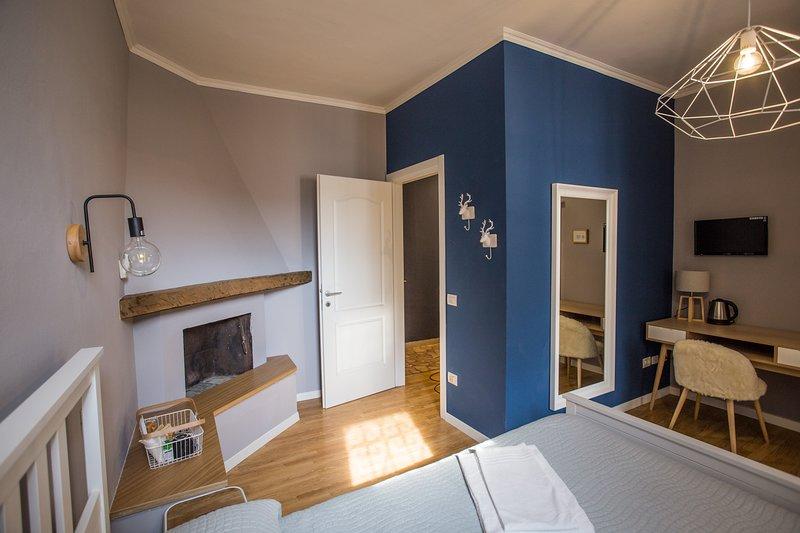 CICCIO B&B - Camera Lorenzo con bagno privato, vacation rental in Torre de' Roveri