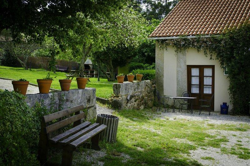 House - 2 Bedrooms - 105056, vacation rental in Monfero