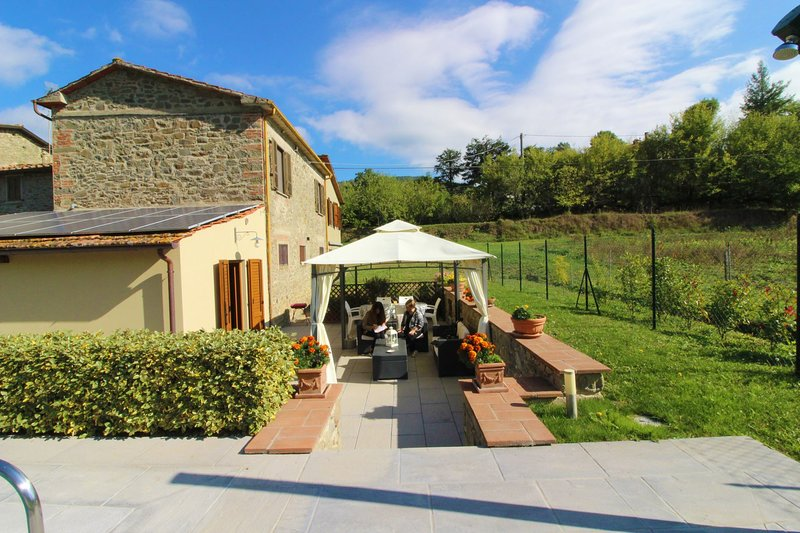 Staggiano Villa Sleeps 4 with Pool - 5490579, holiday rental in Palazzo del Pero