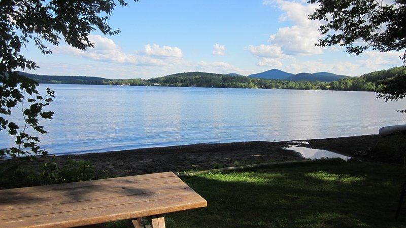 Vous cherchez sur le lac de la plage et de pique-nique.