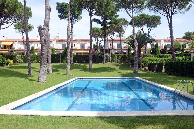 Santa Margarida Holiday Home Sleeps 9 with Pool - 5425119, alquiler de vacaciones en Llafranc