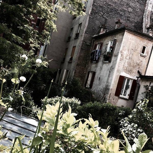 Chambre végétale avec vue sur jardin /\ Belleville, holiday rental in Les Lilas