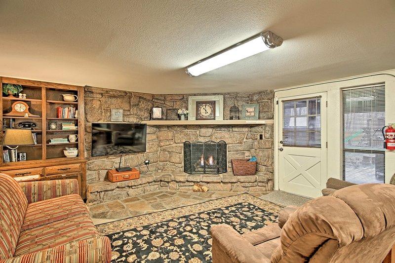 Échapper à cette 2 chambres rustique, 2 salles de bains de location de vacances à Tulsa.