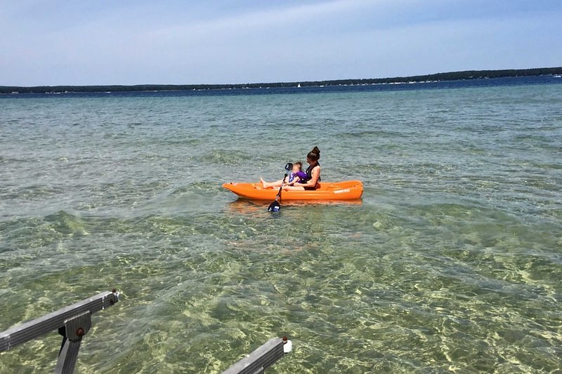 Explore the lake by kayak!