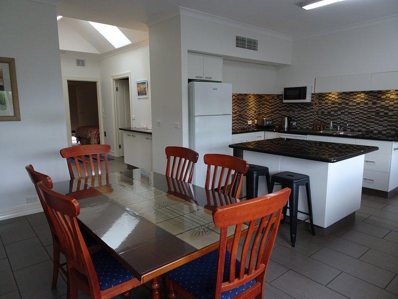 Austral Place 88 via Merri River on Great Ocean Road Warrnambool (New Listing), holiday rental in Warrnambool