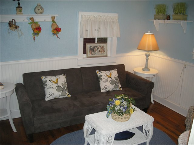 The Cottage - Living Room, holiday rental in La Veta