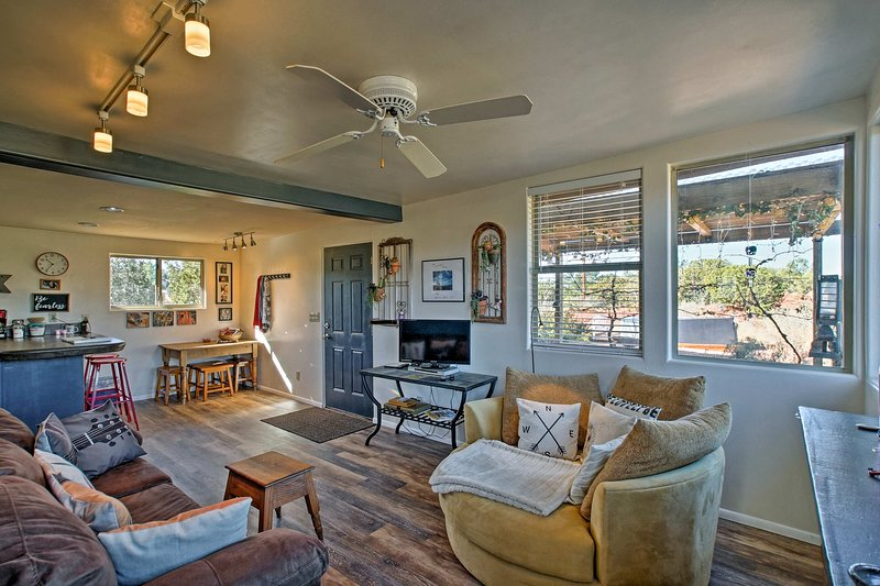 Welcome to your Sedona home-away-from-home that comfortably accommodates 4 guests and offers unbeatable views.