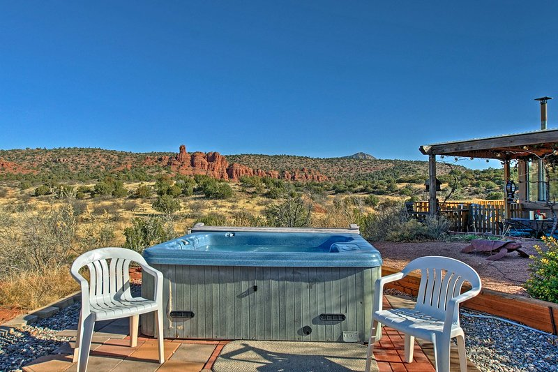 The private hot tub is the perfect place for stargazing!