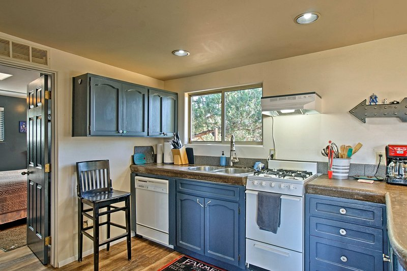 Prepare delicious home-cooked feasts in the fully equipped kitchen.