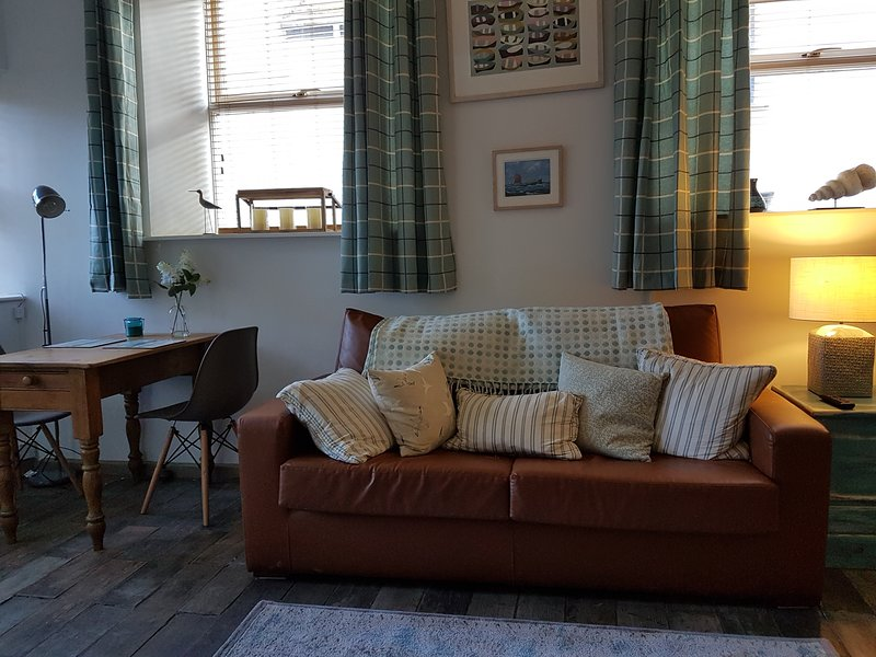 Quaint old fishermans Cottage, holiday rental in Penzance